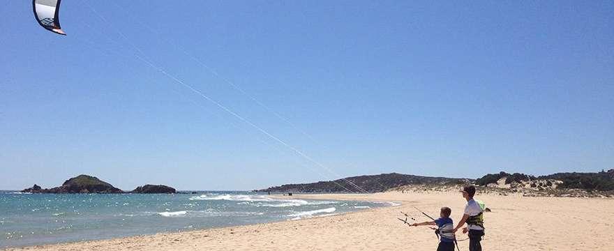 scuola windsurf costa rei kitezone.it