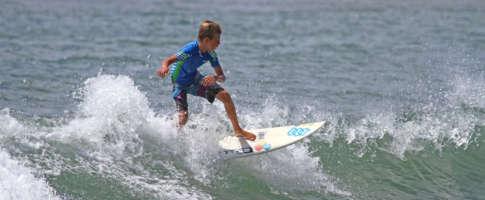 scuola-surf-costa-rei-kitezone.it